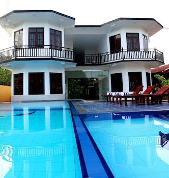 Picture of Ocean Glory Hotel in Negombo