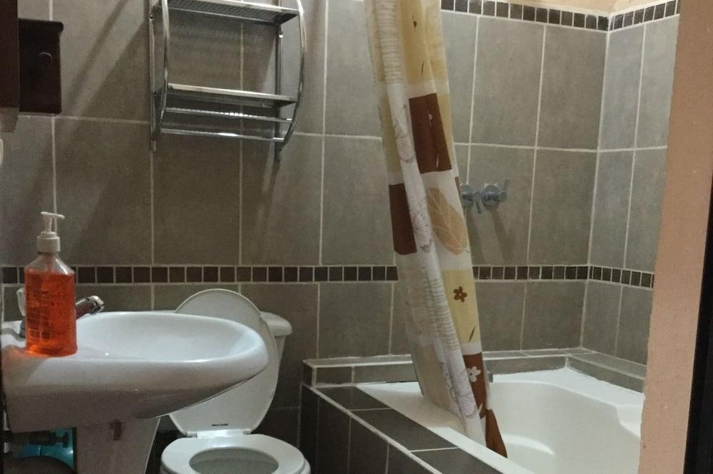 Quarto Triplo Standard - Casa de banho