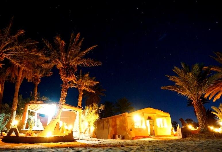 Atmospher Bivouac Desert, M'Hamid El Ghizlane, Pohľad na hotel – večer/v noci