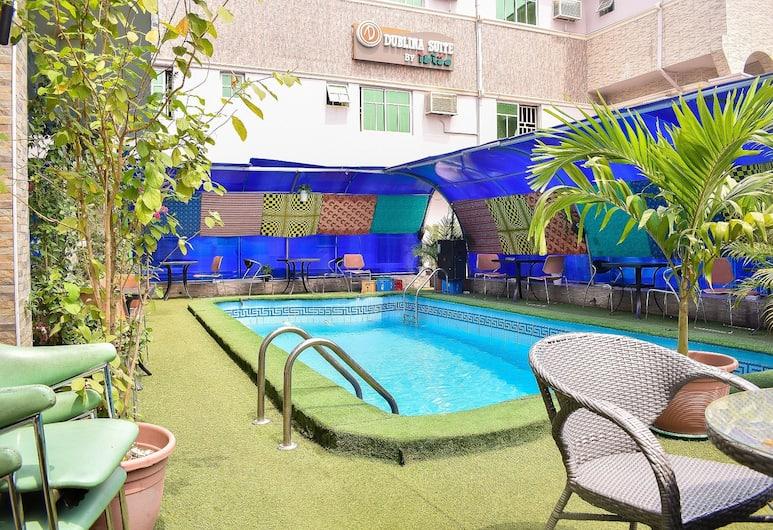 杜布里納套房飯店, 拉各斯, 室外游泳池