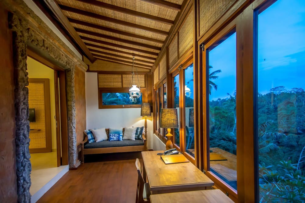 Suite, 1 Bedroom, Private Pool - Living Area