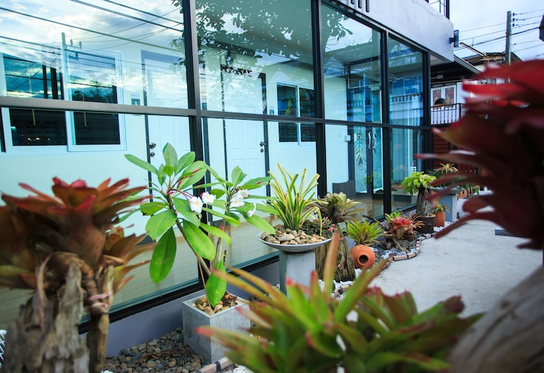 Me Dream Residence, Surat Thani, Jardín
