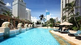 Choose This Luxury Hotel in Jakarta