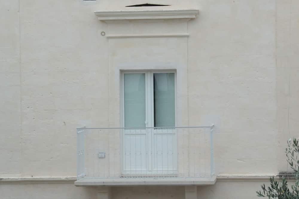 Comfort Room, Balcony - Balkoni