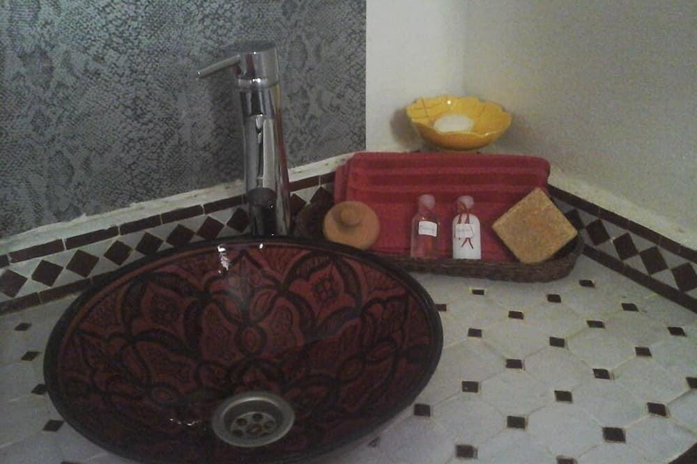 Стандартний двомісний номер, приватна ванна, з видом на гори - Ванна кімната
