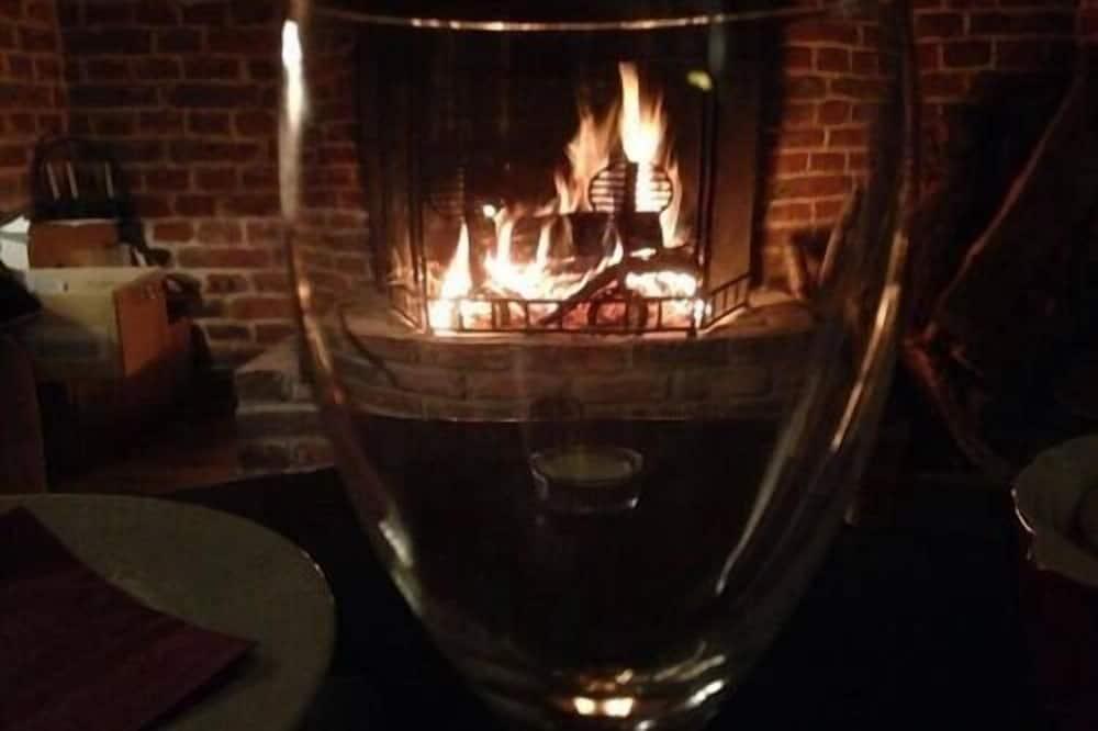 Stuga Comfort - eget badrum (Gite cottage d'hamicourt) - Hotellounge