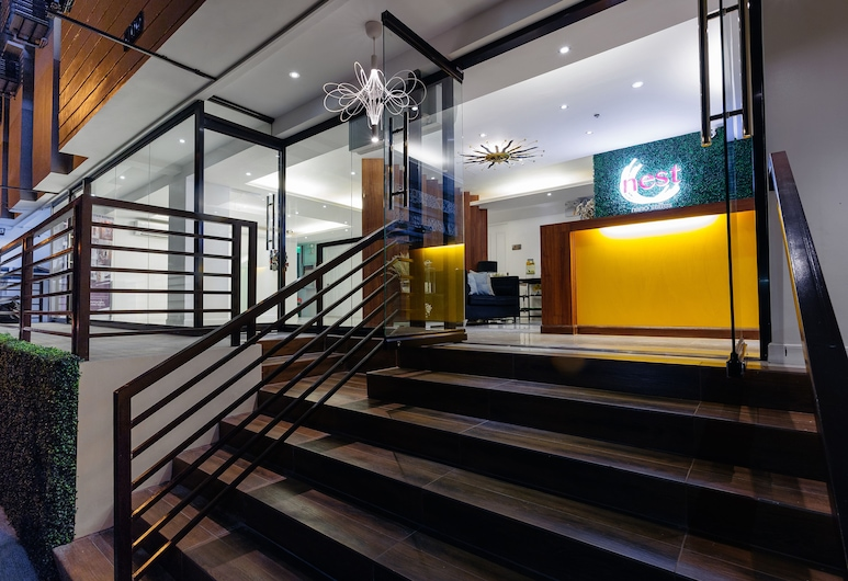 Nest Nano Suites, Makati, Voorkant hotel