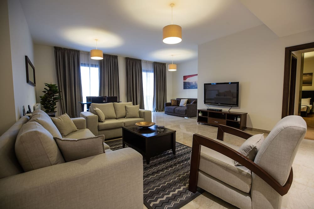 Executive Apartment, 2 Bedrooms, City View - Living Area