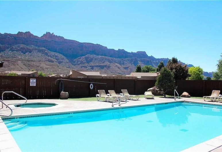 Desert Oasis ~ X1 3 Bedroom Condo, Moab, Apartman, 3 spavaće sobe, Bazen