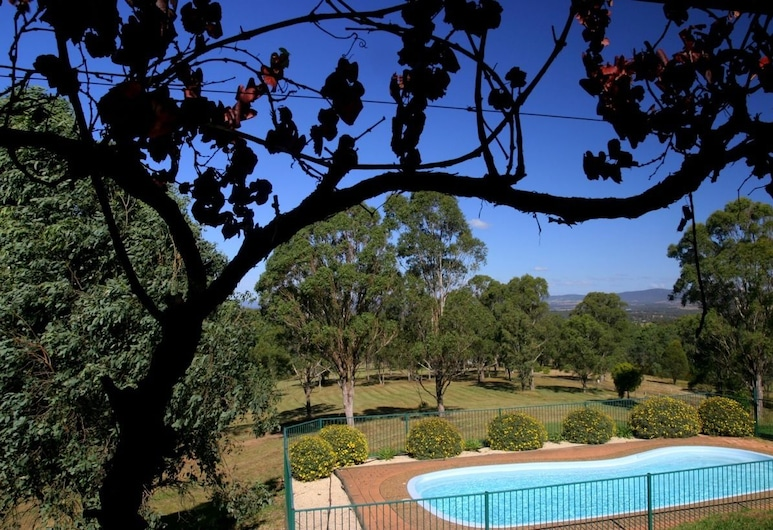 Englewood Ridge, Lovedale, Piscina al aire libre