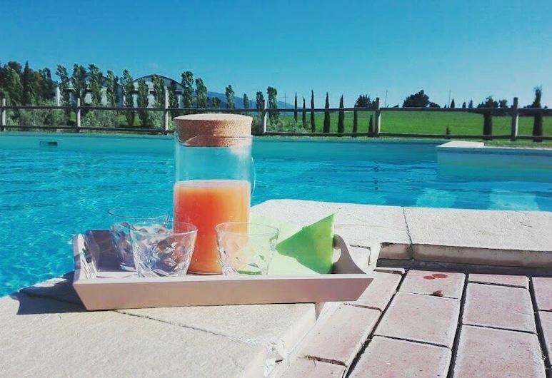 Il Poggio della Pieve, Santa Luce, Vonkajší bazén