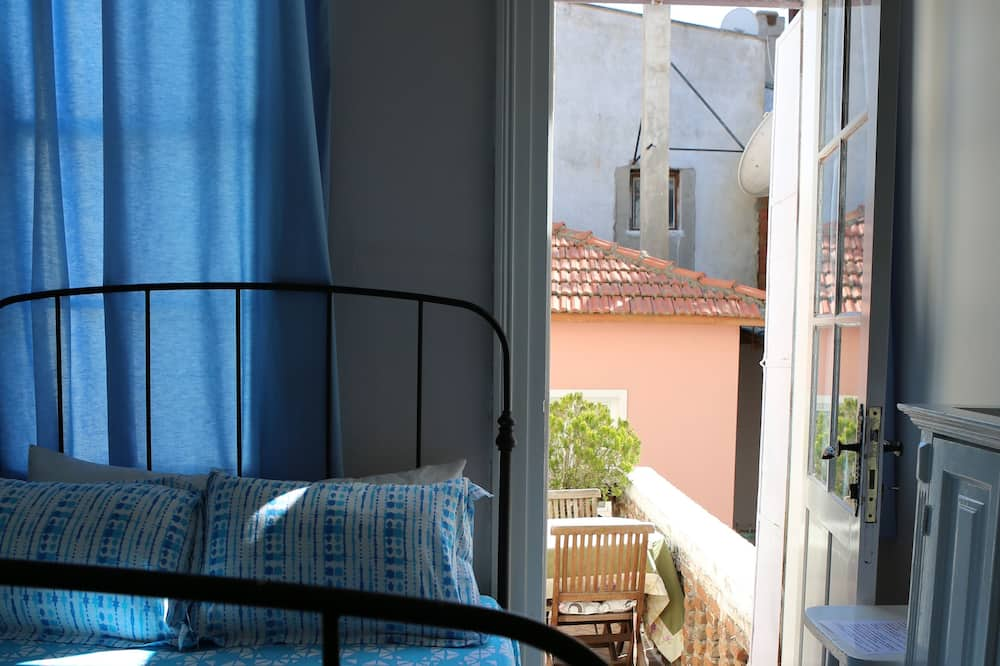 Design Double Room, 1 Double Bed, Terrace (Blue) - Guest Room