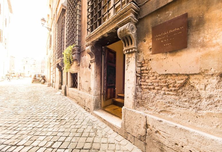 Hotel dei Barbieri, Rím, Vchod do hotela