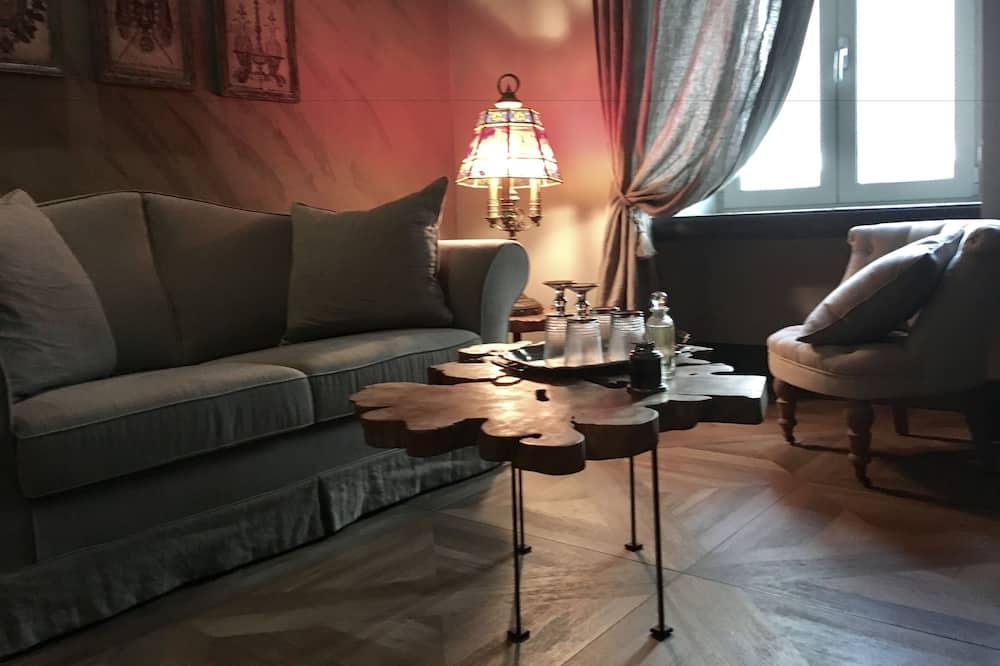 Suite de lujo, 1 cama King size con sofá cama, baño privado, en edificio anexo - Sala de estar