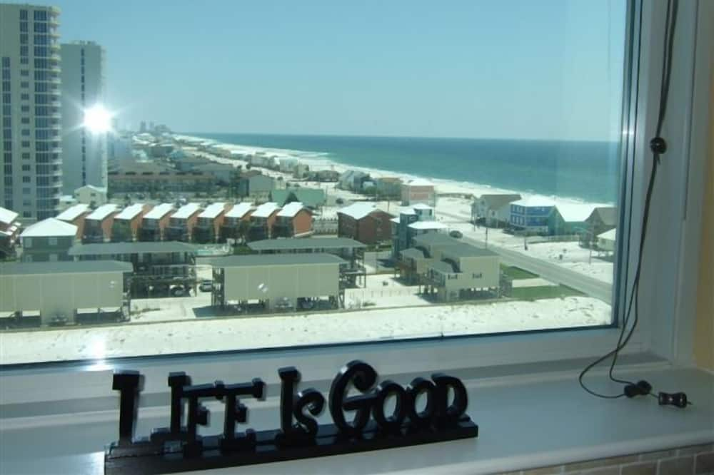 Condo, 4 Bedrooms, Balcony, Beach View (4.5 Bathrooms) - View from room