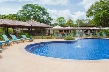 Picture of La Foresta Nature Resort in Quepos