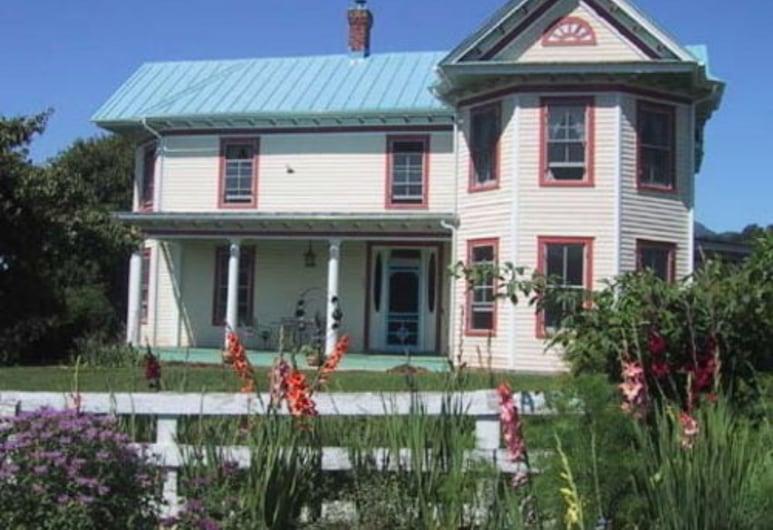 Belle Meade Bed and Breakfast, Sperryville