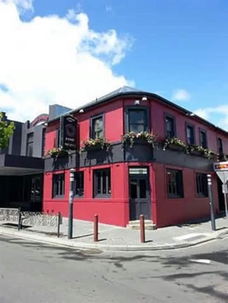 Queens Head Hotel North Hobart