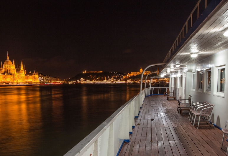 Grand Jules - Boat Hotel, Budapest, Standard Cabin, 1 Queen Bed, River View, Guest Room