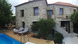 Choose This 4 Star Hotel In Lesvos