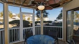 Choose this Apartment in Isle of Palms - Online Room Reservations