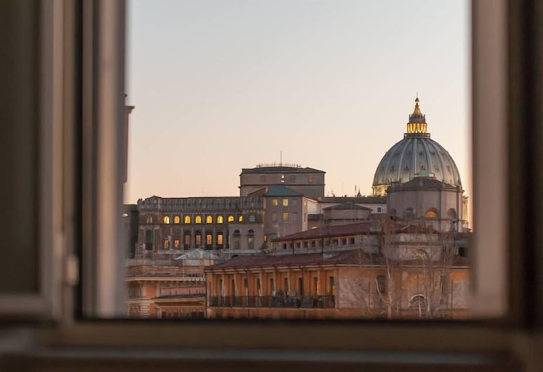 St.Peter's mirror-Romantic view, Rome
