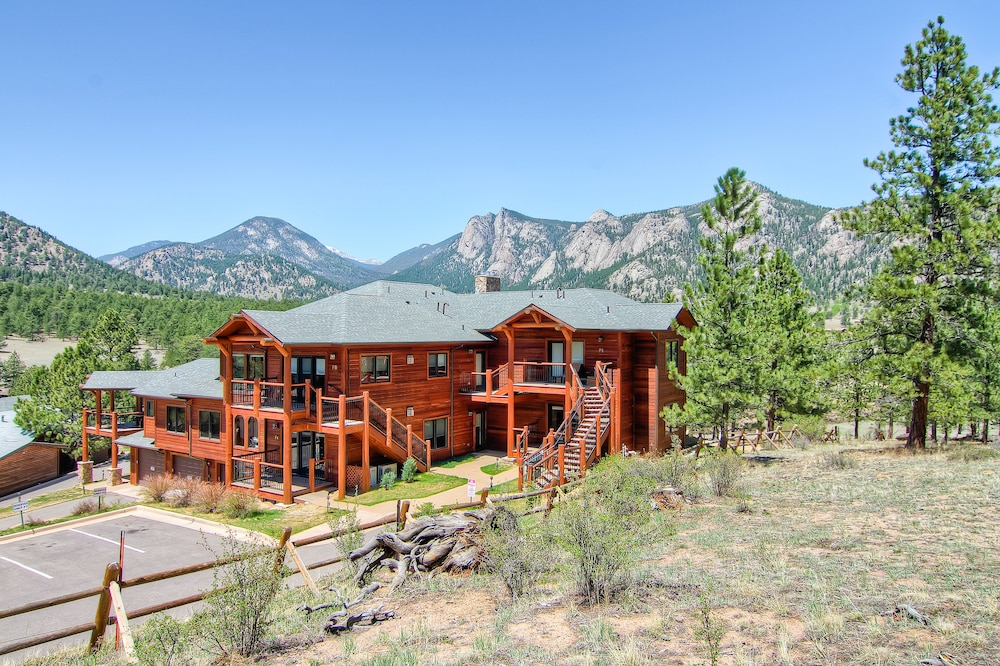 F10 Estes Park Condo Rentals Near Rocky Mountain National By RedAwning