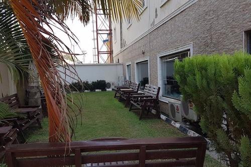 Book Savannah Suite Hotel Garden Gwarinpa In Abuja Hotels Com