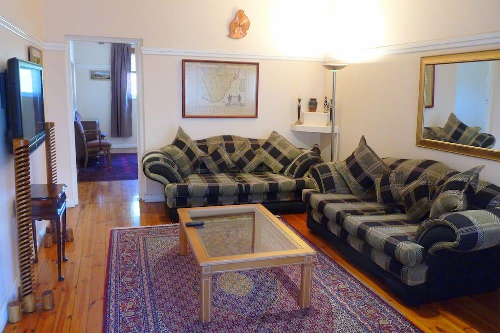 Apartament typu Classic, 2 sypialnie, częściowy widok na ocean - Salon
