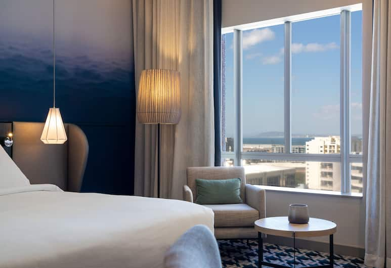 Radisson Blu Hotel & Residence, Cape Town, Cape Town, Superior Room, Harbor View, Guest Room View