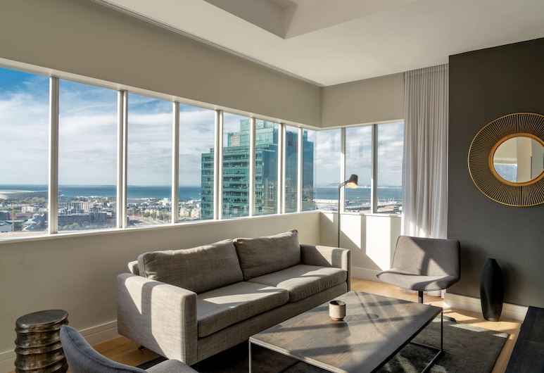 Radisson Blu Hotel & Residence, Cape Town, Cape Town, Apartment, 2 Bedrooms (Lounge), Guest Room