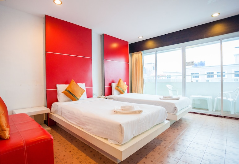 Luxur Boutique Hotel Patong, Patong, Deluxe Twin Room, Balcony