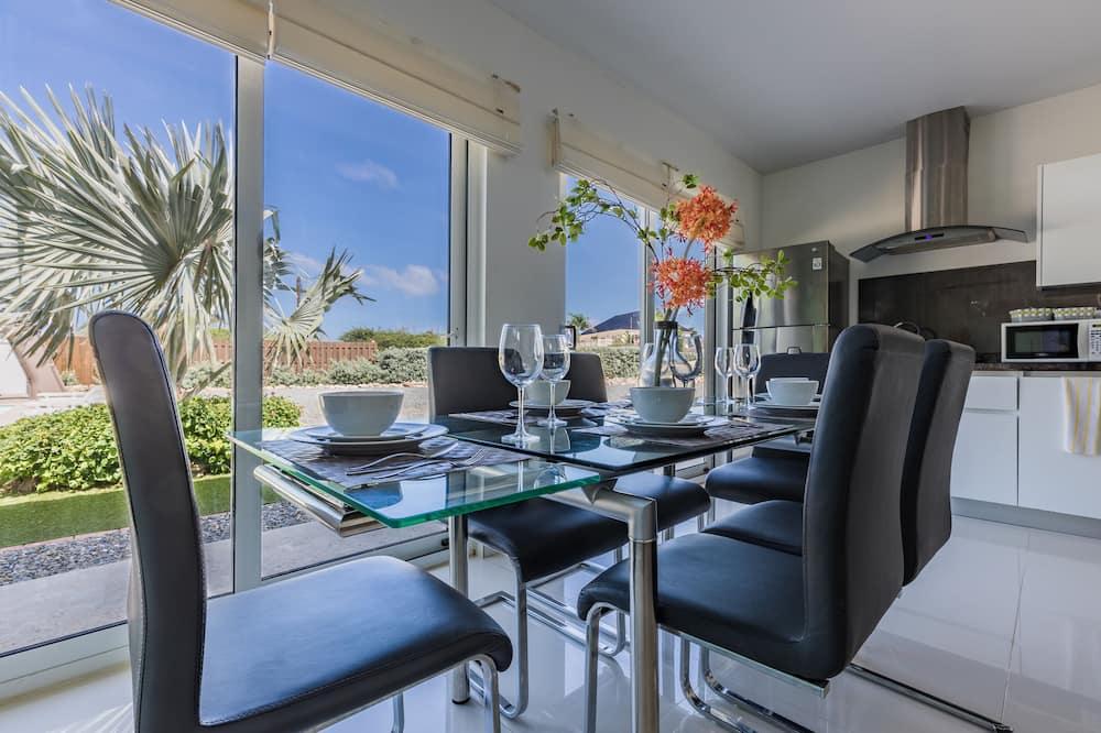 Appartamento familiare, 3 camere da letto, cucina, lato giardino - Pasti in camera