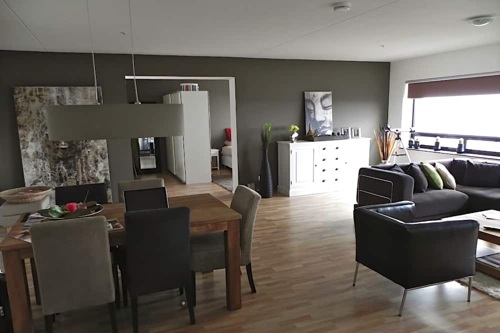 Panoramic Apartment, 1 Bedroom (39th floor 774) - In-Room Dining