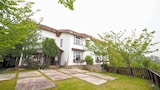 Book this Bed and Breakfast Hotel in Ren-ai