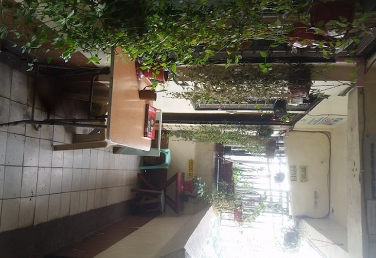 CVNB Bed & Bath - Hostel, Baguio, Terrace/Patio