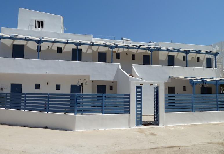 Dedes Apartments, Angistri, Exterior