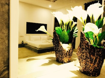 Picture of 8 Plus Motels in Negombo