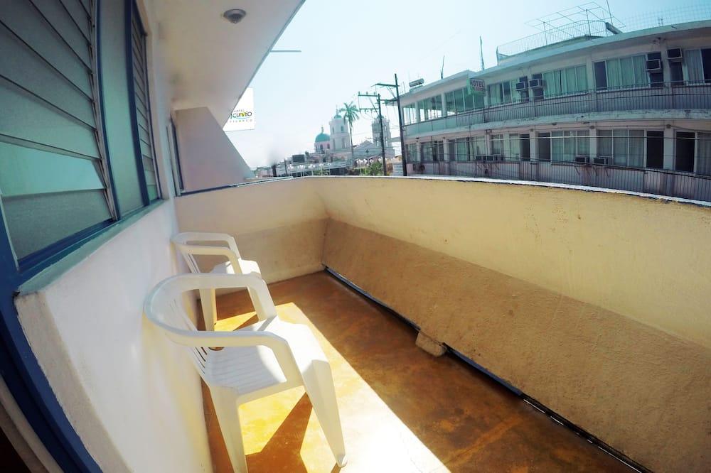 Trojlôžková izba, viacero postelí - Balkón