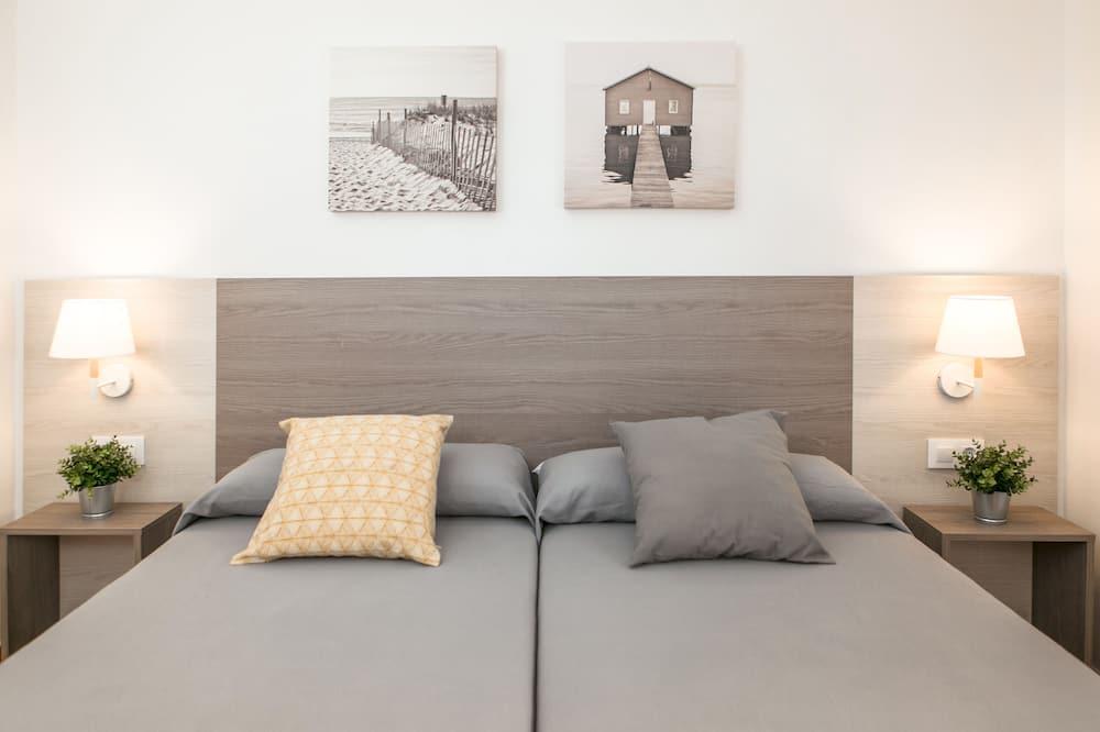 Apartment, 2 Bedrooms, Terrace - Room