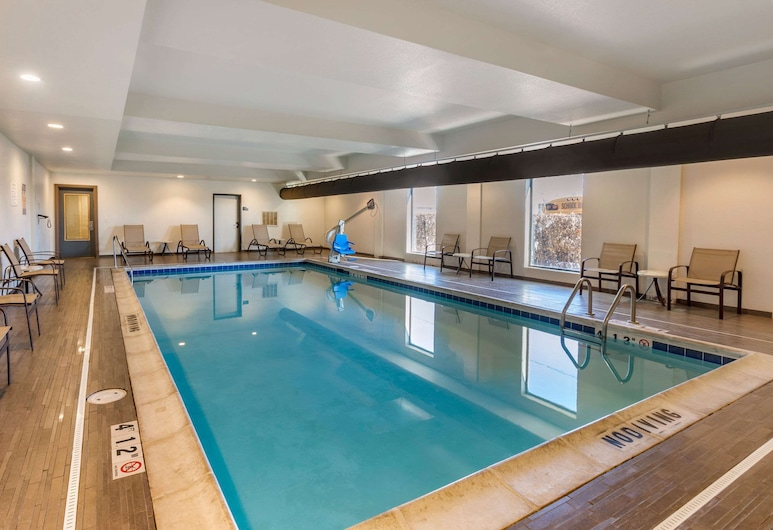 MainStay Suites Near Denver Downtown, דנבר, בריכה