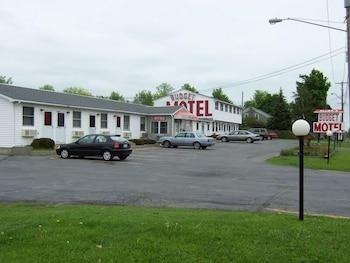 Picture of Allen's Budget Motel in Watertown