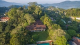 Choose This 4 Star Hotel In Kandy