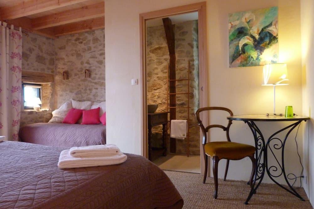 Triple Room (Vanille-Fraise) - Living Area