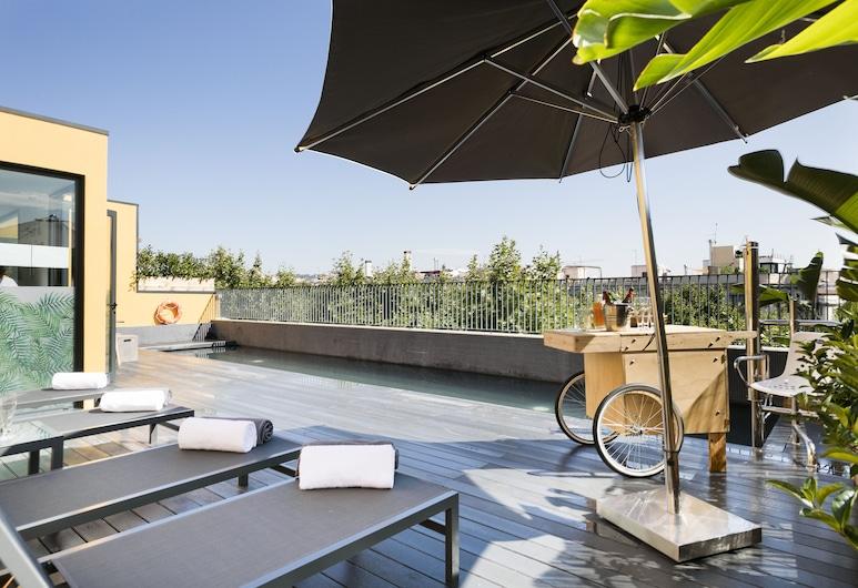 Niu Barcelona , Barcelona, Piscina no terraço