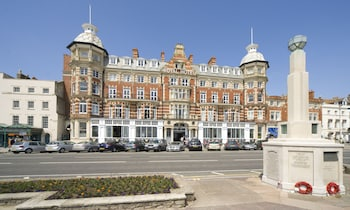 Enter your dates to get the Weymouth hotel deal