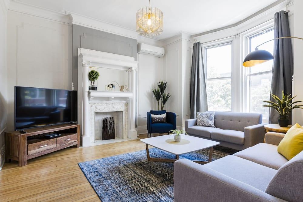 Premium Quadruple Room, 3 Bedrooms, Kitchen - Bilik Rehat