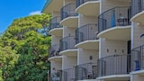 Choose This 2 Star Hotel In Lahaina