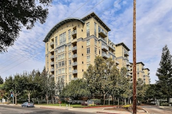 Picture of Avalon Towers 1003 by RedAwning in Mountain View