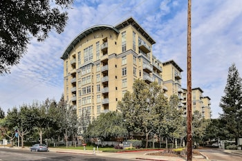 Picture of Avalon Towers 403 by RedAwning in Mountain View